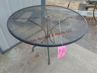 42  round metal patio table