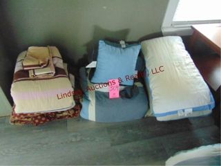Group of bedding items  3 bedding sets   pillows