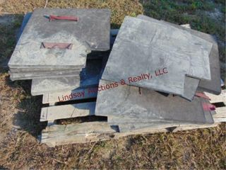 Pallet of approx 11 brick forms