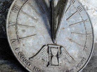 Vintage 1973 9  Diameter Sundial  Sunny Hours