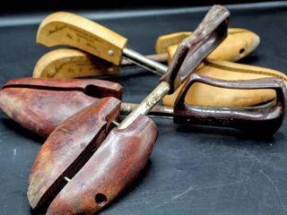 Vintage Travel Tree Shoe Keepers  2  Pairs