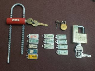 Vintage license Plate Key Chain IDs and 3 Padlocks