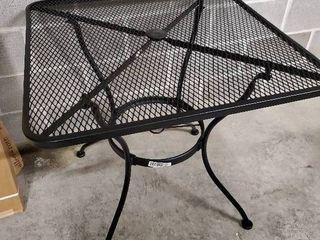 Square Metal Table IJIJ