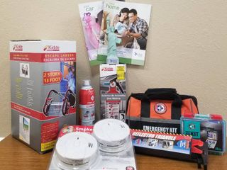 liberty Mutual Home   Auto Emergency Kit