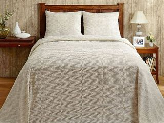 Better Trends Natick Collection in Wavy Channel Stripes Design 100  Cotton Tufted Chenille Bedspreads   Shams Retail 105 54