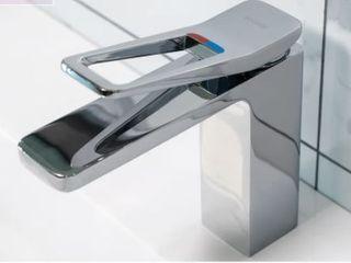Koozzo Douro Single Hole Bathroom Faucet with Drain Assembly  Retail 109 99