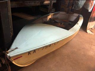 Wooden boat  11 8 Tx5 W