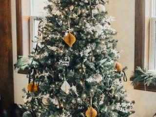 Beautiful Tree Sponsored by Nu Way Kitchens