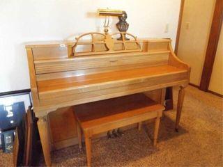 Weaver Piano  Blonde Tone  light  Bust