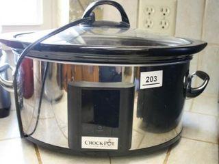 Crock Pot Slow Cooker Powers on