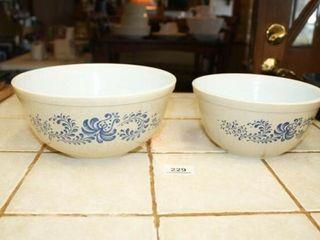 Pyrex   homestead  pattern mixing Bowls  2
