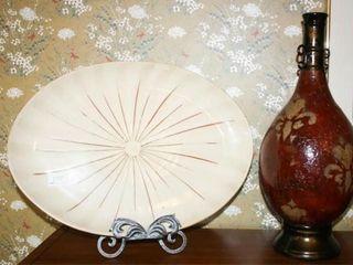 Platter  Easel  Decorative Red Vase