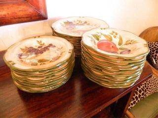 Home Trends Plates 11  diam   10