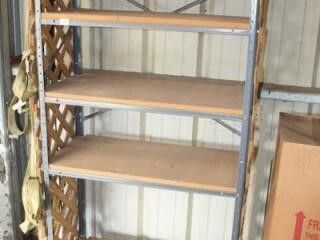 Metal Shelf Unit  3  x 6  x 171 2    5 Shelves