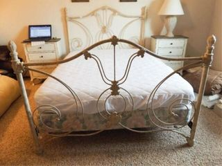 Queen Size Bed Frame  Head   Footboard
