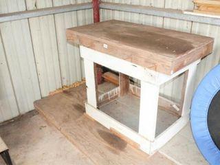 Wood Shelf Work Bench 44  x 36  x 24
