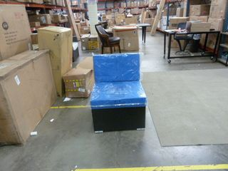 Single Outdoor Wicker Chair w  Royal Blue Cushions