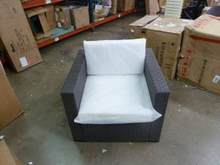 Single Outdoor Wicker Chair w  White Cushions