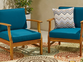 ONlY ONE CHAIR  NOT A PAIR Perla Outdoor Acacia Wood Club Chair w  Blue Cushion   TEAK FINISH