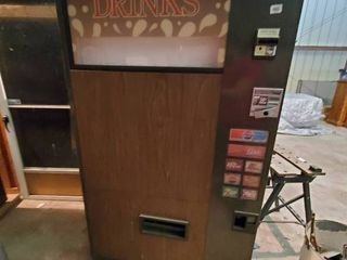 Soda Vending Machine W Coin   Bill Acceptor   Believed to be in Working Condition