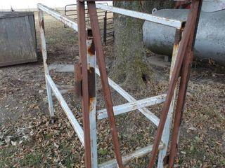 Metal Goat squeeze chute