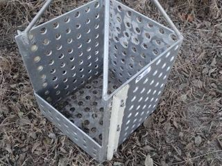 Metal lifting basket  feeder