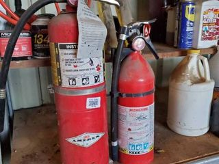 lot of 2 Fire Extinguisher