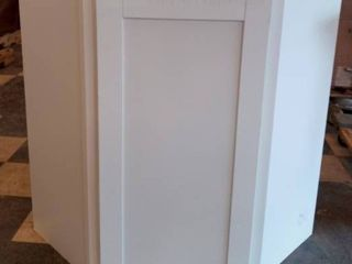 Corner cabniet 21 w x 18 l x 30 h