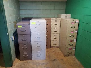 lot of 9 filing Cabinets
