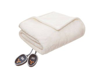 Woolrich Plush to Berber Heated Blanket 7 Color Options  Retail 167 98