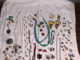 lot of Costume Jewelry location Spare