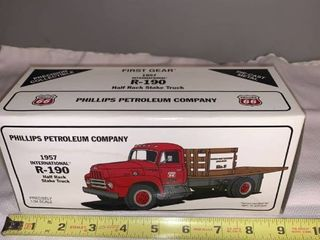 Phillips 66 1 34 Scale Die Cast 1957 International R 190 Half Rack Stake Truck location Spare
