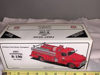 Phillips 66 1 34 Scale Die Cast 1957 International R 190 Fire Truck location Spare