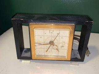 Vintage Timex Desk Mantel Clock Works location 1D