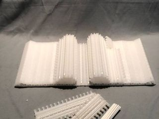 Plastic Conveyer Belt with Pieces location Shelf 4