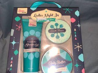lot of 5 ladies Night In Shower Gel Body Butter Bath Fizzer Sweet   Clean Scent luxe location Shelf 1