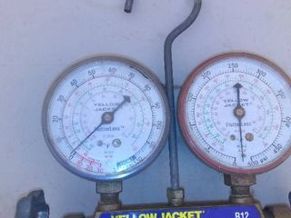 Yellow Jacket T12 R22 Gauges