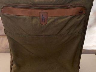 Hartmann Suitcase location Front Storage