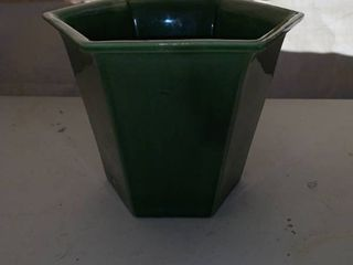 Green Haeger 92 Planter location Front Storage