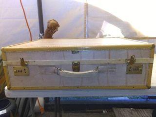 Vintage Hartmann Suitcase In Good Condition