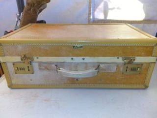 Small Hartmann Suitcase In Good Condition