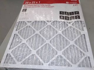 Utilitech   20 x 25 x 1 Allergen Protection Air Filters   2 Ct     slightly Smashed