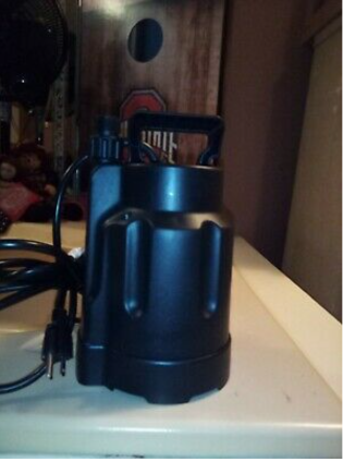 Utilitech 30 Gpm 1 3 Hp Submersible Water Utility Pump 10ft Cord Open Box