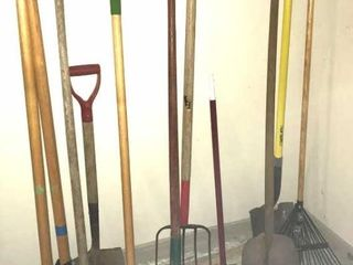 10  long Handled Yard   Garden Tools