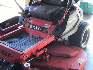 Gravely ZT Xl 52 Riding Mower