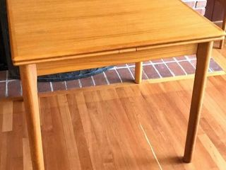Ansager Square Sliding leaf Table