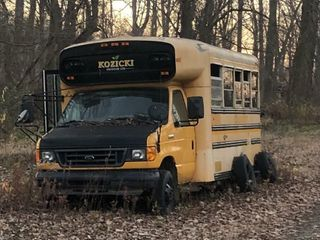 FORD 20 PASSENGER BUS   FOR PARTS