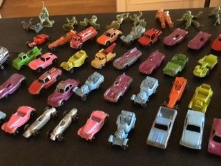 40  Tootsie Toy Cars and Army Men