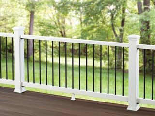 Trex Transcend Railing System Post Sleeve  4 X 4 X 48  classic White Set of 2 and Dekorators 6 ft pies Classic Composite Railing Kit White For 36in Rail Height