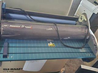 Pinnacle 27 EZload laminator  like New